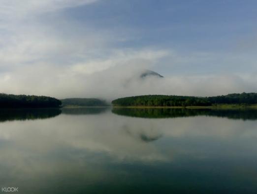 宣林湖 (Tuyen Lam Lake)