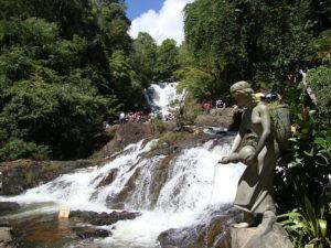 達坦拉瀑布 (Datanla Falls)